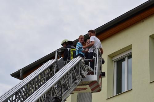 2012-06-11 Brandübung in der MHS Dürnkrut
